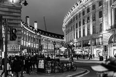 Piccadilly circus - London (Bouhsina Photography) Tags: piccadilly circus londres place noir blanc black white bw noiretblanc blackandwhite regines street oxford nuit lumière