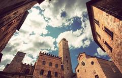 San Gimignano - Medieval Manhattan (manlio_k) Tags: sky tuscany sangimignano toscana hdr manlio photomatix tonemapped tonemap manliok