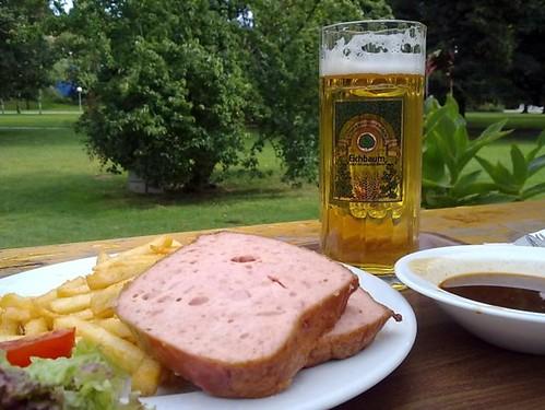 Fleischkase und Bier