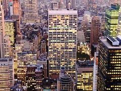 twinkle, twinkle nyc (*ivyness*) Tags: city nyc newyorkcity sunset usa ny newyork building night lights view skyscrapers nacht manhattan twinkle center sparkle metropolis rockefeller bigapple lichter wolkenkratzer megalopolis 70thfloor ontopoftherock