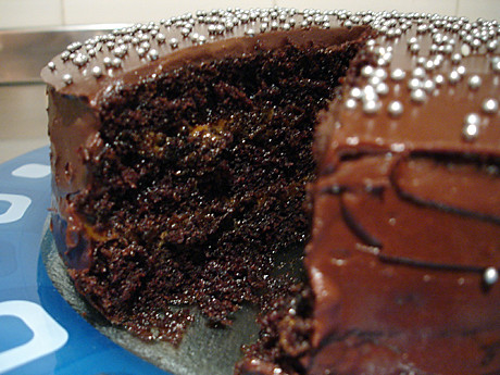 Almost Flourless Chocolate Cake With Dulce De Leche Recipe ...