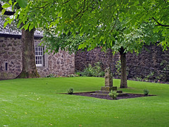 Castillo de Stirling - Patio (Rubn Hoya) Tags: uk castle monument scotland highlands monumento stirling united altas kingdom escocia patio gran tierras castillo reino unido bretaa scotlanda