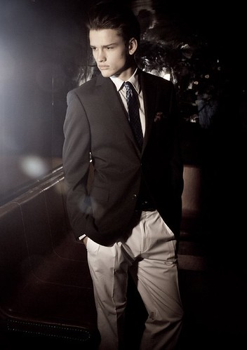 Simon Nessman039_U Magazine(modo models)