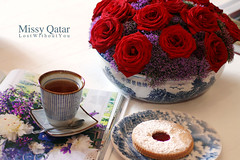 (Missy | Qatar) Tags: red roses coffee book cookie purple tea pot missy bluewhite qatar loooooool m3t7yaatonlyup ya3mihadia39abekp bursoobsessedwiththeromanticmoodp