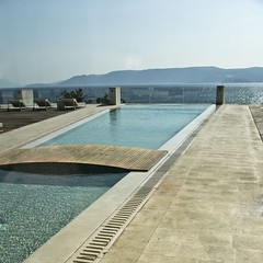 The Pool (M4j4) Tags: sea vacation white holiday muro blanco beach pool wall architecture strand square relax pared hotel design wand urlaub croatia playa piscina resort riposo silence resting bathing baden spa bianco croazia vacaciones bao spiaggia croacia vacanze adriatic jadran kroatien entspannung weis ruhe morje novivinodolski pulito kvarner relajarse hrvaka msh0910 monomental dedescanso arhitekt msh09108