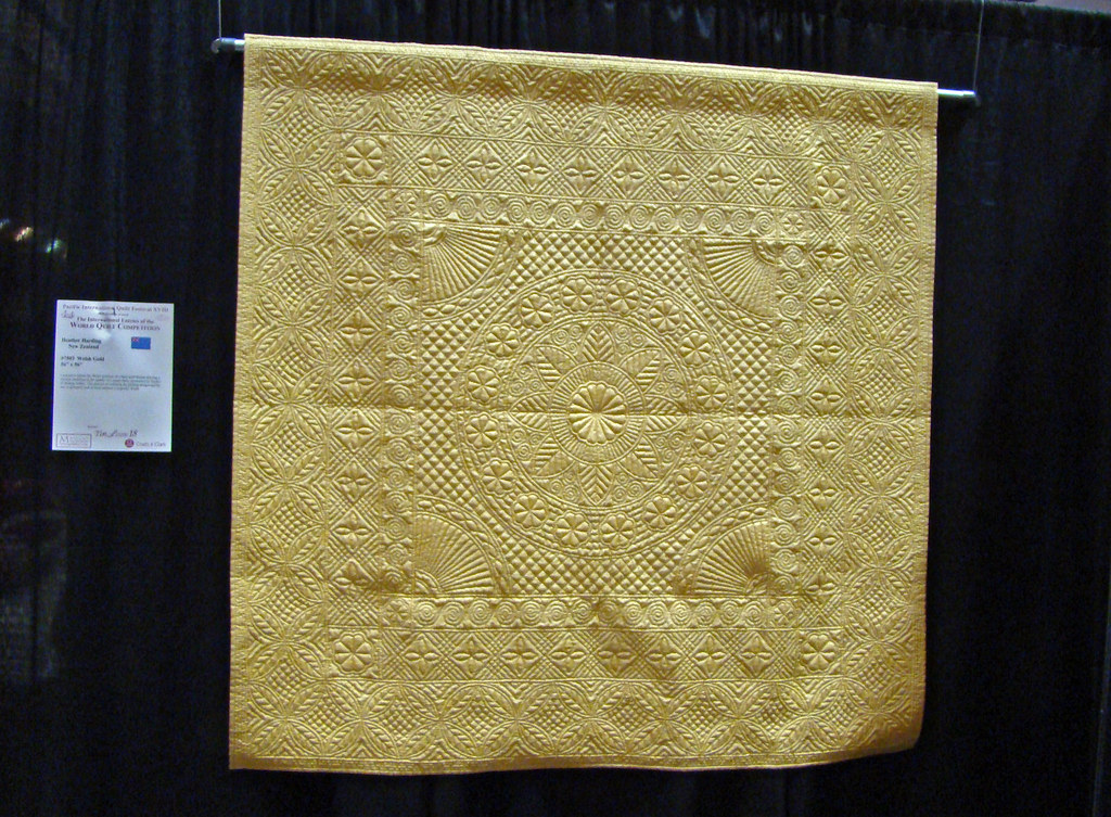 DSC02751 Quilt 7503 Welsh Gold by Heather Harding