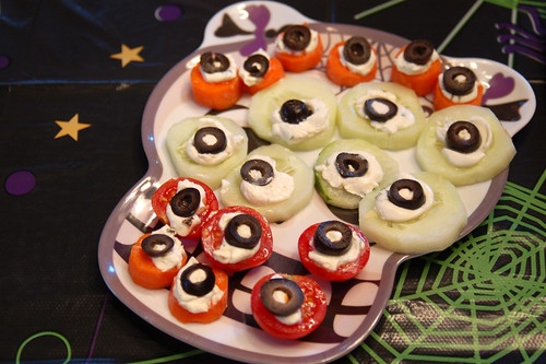 Halloween 2009: Eye-petizers.