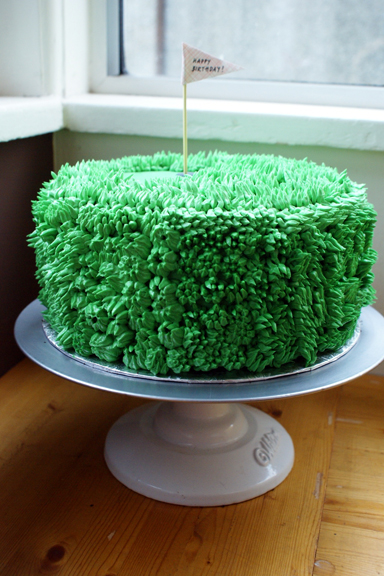 my friend the shaggy green golf cake!