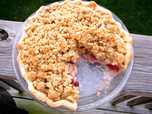 Pear Cranberry Crumble Pie
