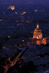 Des Invalides  l'Etoile (KaourDen) Tags: lighting paris france monument night nikon ledefrance lumire invalides nuit arcdetriomphe clairage d300 parisbynight