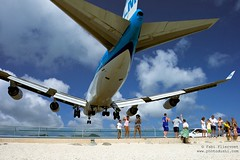 St. Maarten Airport (Fabi Fliervoet) Tags: pictures inspiration beach netherlands dutch plane island saintmartin crazy airport dangerous sand close princess photos unique aircraft aviation awesome famous watching stock jet places stretch tourists stmartin international short perch tropical caribbean boeing juliana klm incredible stmaarten loud runway maho thrills looming 747 inspiring thrill jumbo nationalgeographic antilles sintmaarten saintmaarten planewatching mah visionsofearth fabifliervoet
