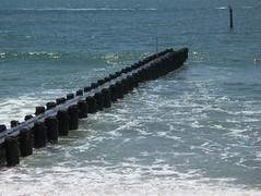 Atlantic City, NJ - pier & Atlantic Ocean (Guenther Lutz) Tags: summer usa water june pier newjersey waves kodak nj atlanticcity northamerica northeast atlanticocean 2009 jerseyshores z1275