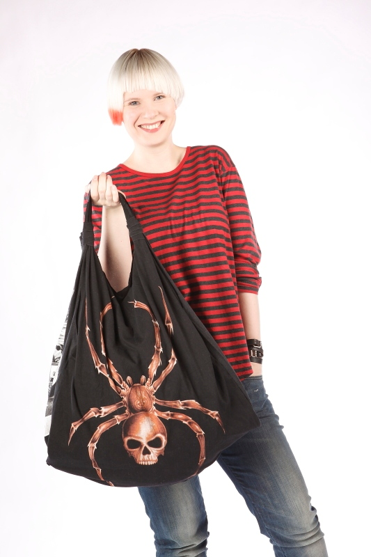 OutsaPop Trashion large t-shirt hobo bag 3
