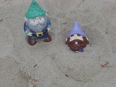 Chippy buries Zandor in the sand (The Pottery Place) Tags: gnome place pottery chippy travelinggnome zandor travelinggnomecontest thepotteryplace