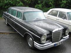 Mercedes-Benz W112 300 SE Limousine -1- (Zappadong) Tags: se long hamburg 2006 stretch mercedesbenz 300 lang stadtpark w112