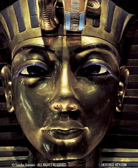 King Tut's Golden Mask (Sandro Vannini) Tags: gold kingtut ancient cobra photos egypt vulture boyking deathmask tutankhamun egyptology solidgold egyptians lapislazuli goldenmask kv62 howardcarter funery burialmask heritagekey funerymask keyobject140 sandrovannini