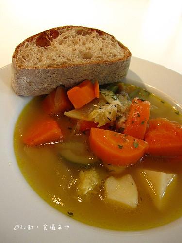 wooloomooloo麵包蔬菜湯午餐