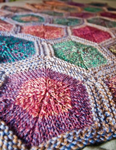 Geometric Blanket Knitting Pattern : Mini-Komb Blankie Complete!