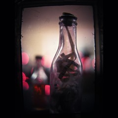 Yankee in a Bottle (moriza) Tags: miniature bottles collection sanyo yankees artifacts converter ttf ticker moriza tickertape ttv ttvf modomatic