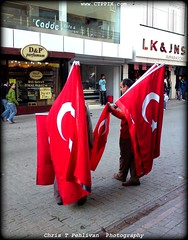 Turkish Flag Sellers of Adana (CTPPIX.com) Tags: cameraphone street people man flag sonyericsson trkiye cybershot ctp adana turkish turk sellers turchia bayrak turkei seyhan ayyildiz 81mp turkishflags magaza ctpehlivan flagseller christpehlivan ctppix sokaksaticisi c905 bayrakcilar bayrakci cakmakcaddesi
