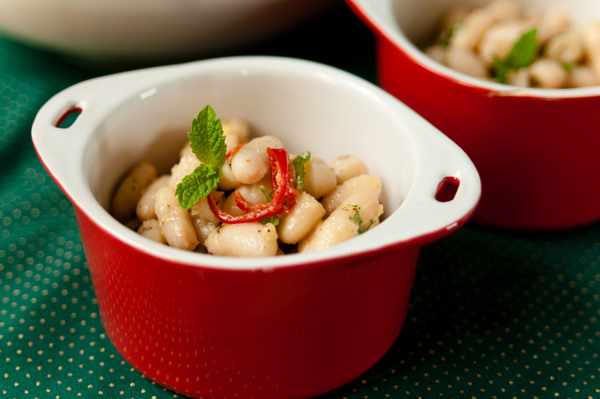 Dressed cannellini beans