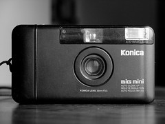 Konica BiG mini (mgtelu) Tags: film 35mm pointandshoot konica mycameras f35 cameracollection bigmini bm302