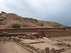 Tiahuanacu - Piramide de Akapana (riunegro) Tags: bolivia lapaz sudamerica tiahuanaco tiahuanacu patrimoniodelahumanidad akapana tiwanak piramidedeakapana
