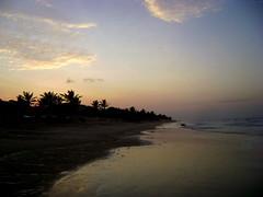 Crepúsculo (AnaElisa) Tags: sunset praia beach contraluz ma pôrdosol maranhão entardecer crepúsculo sãoluis perfectsunsetssunrisesandskys