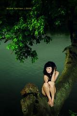 : 6.20pm (Sayid Budhi) Tags: lighting portrait girl beautiful model medan asiangirl veny gadis outdoorlighting indonesiangirl sunggal