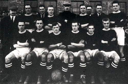 Manchester United 1931-32 team photograph