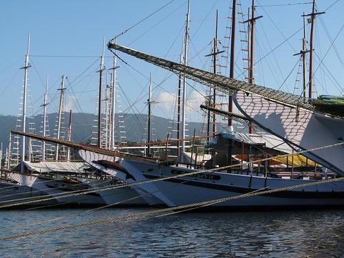 schooner bows Parati