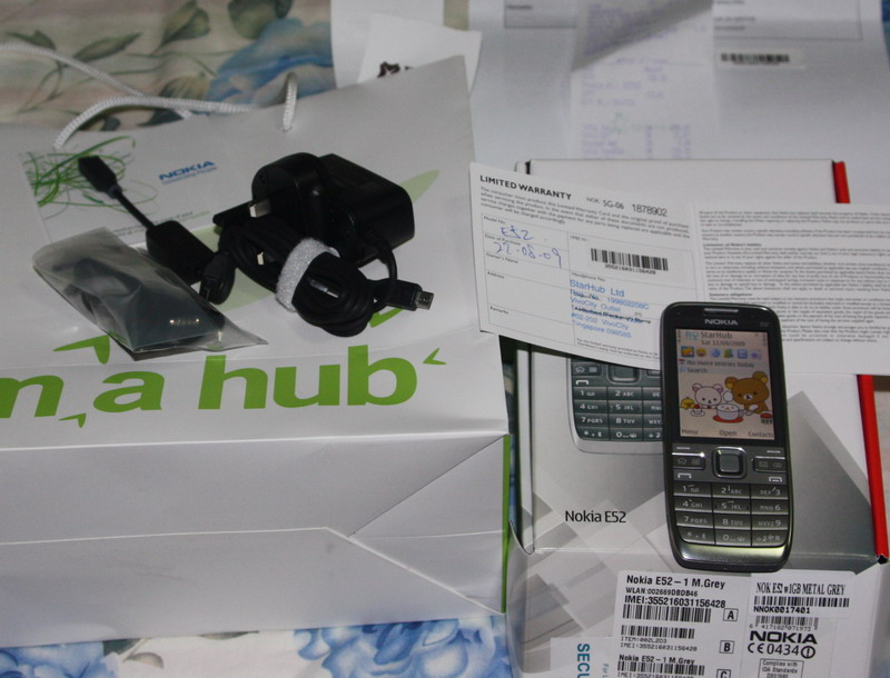 Nokia E52 silver(starhub set) at 380S$ qualia0310 Aug 23rd, 09, 06:39 PM