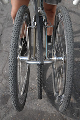 A front rack for carrying wheels-2