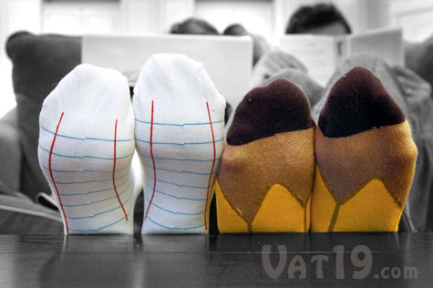 02_ashi-dashi-notebook-pencil-socks
