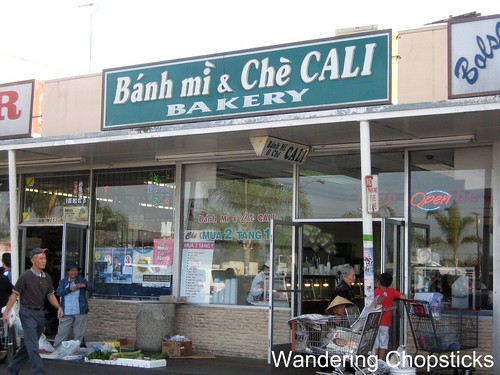 Banh Mi & Che Cali Bakery - Westminster (Little Saigon) 1