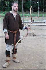 109 (Bargais) Tags: arch arc latvia knight archery archer latvija longbow loks godesverdera bruņinieks