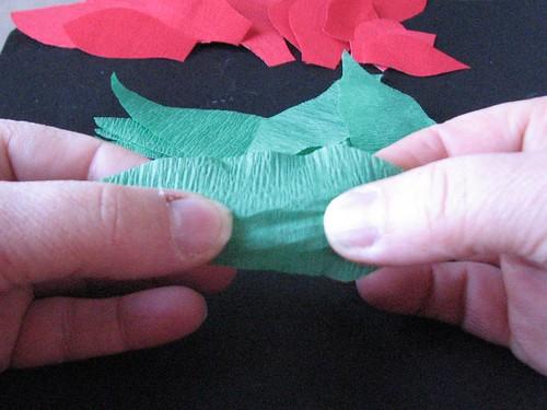 #12 - Crepe Paper Poinsettia 005