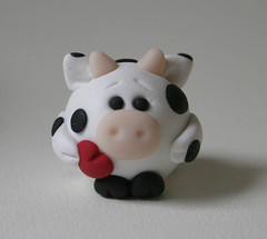 Round Valentine Cow (fliepsiebieps1) Tags: sculpture white black cute green love animal cow heart farm frog polymerclay fimo round figure valentines figurine fliepsiebieps