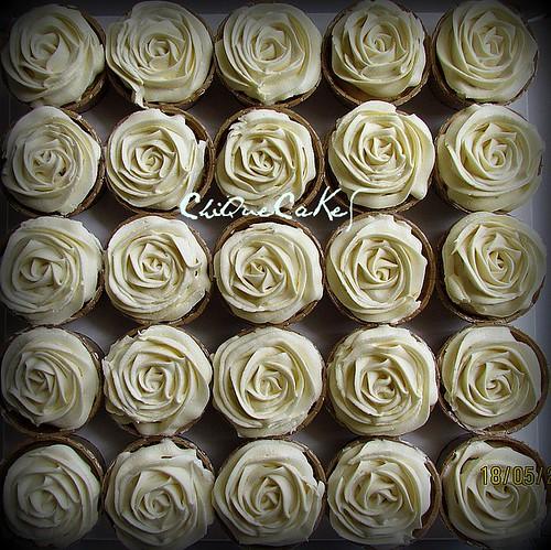 creamroses cupcakes