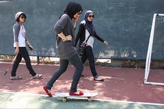changing trends, same soul (ipartylikearockstar) Tags: california fashion losangeles muslim hijab oldschool skateboard
