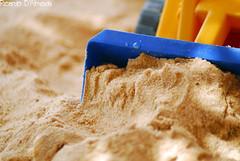 brinquedo (Ricardo_D'Almeida) Tags: brinquedo areia criana ricardodalmeidacarrinho