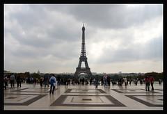 Tour Eiffel (TOBIAS HOEFLICH) Tags: paris france architecture frankreich steel artnouveau toureiffel eiffelturm jugendstil stahl parcduchampdemars eiffeltour gustaveeiffel canoneos400d tobiashflich tobiashoeflichcom