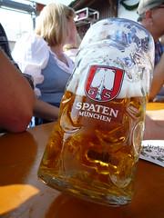 P1010860 (pwosel) Tags: beer germany munich münchen bayern oktoberfest bier mass 2009 deu muenchen wiesn krug biergarten spaten pwo masskrug schottenhammel qimonda 20090921