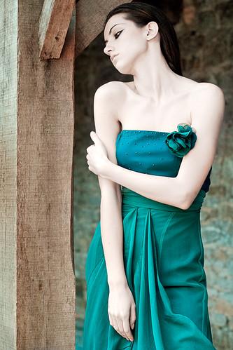 [フリー画像] 人物, 女性, ドレス, 201006020300