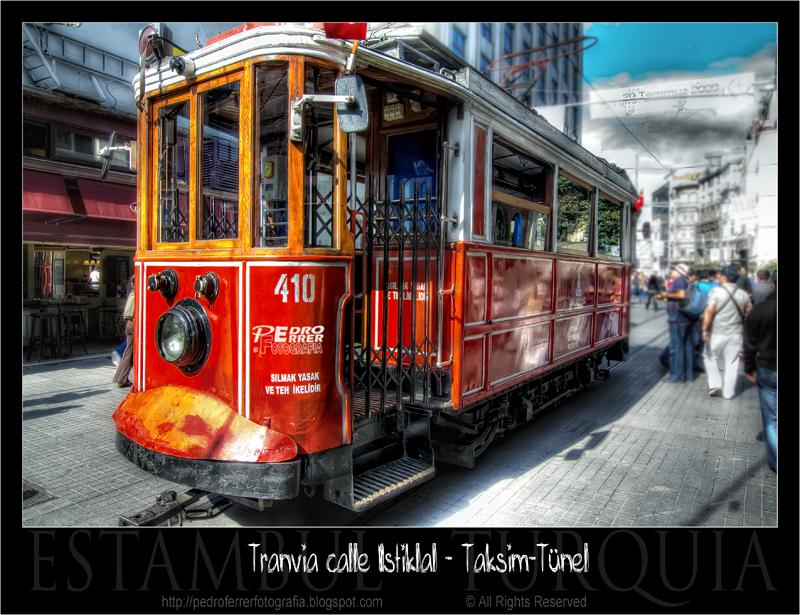 Istiklal Caddesi - Nostalgic Tramway