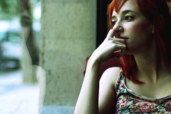 Thinking about... (Marie_Byrd) Tags: flowers portrait reflection window girl ventana ginger chica piercing thinking reflejo redhair cristal pelirroja pensativa