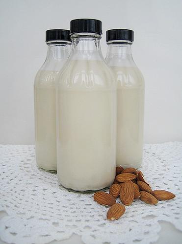 Raw Vanilla Almond Milk