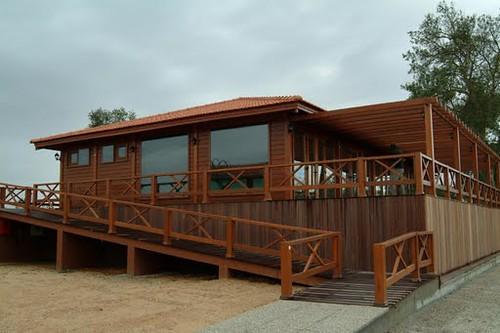 foto de casa de madeira