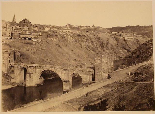 Puente de San Martín (Toledo) en 1858. Fotografía de Gustave de Beaucorps