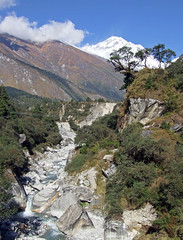 On the way to Tatopani (LeelooDallas) Tags: nepal mountain fall water trek landscape waterfall asia fuji dana finepix himalaya s9500 circuit 2009 annapurna tatopani iwachow